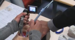 Larinkoskop Seti Nedir? Nasıl Kullanılır?